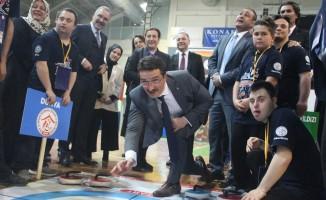 Özel öğrenciler floorcurling turnuvasında kıyasıya yarıştı