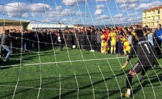 Taşköprü'de sentetik futbol sahasının açılışı yapıldı