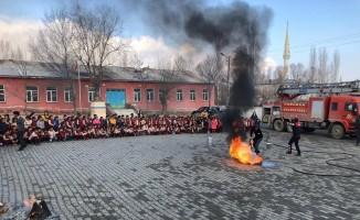 Tuzluca'da deprem ve yangın tatbikatı yapıldı