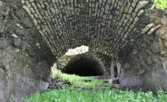 400 yıllık tarihi hamam yenilenmeyi bekliyor