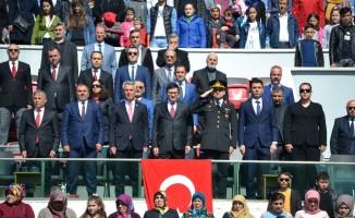 Alaçam'da 23 Nisan çeşitli etkinliklerle kutlandı