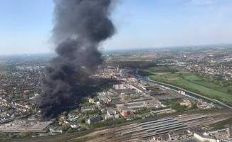 Almanya'da Türk işçilerin de çalıştığı fabrikada korkutan yangın