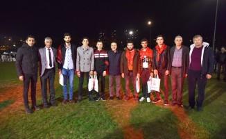 Başkan Ataç gençleri askere uğurladı