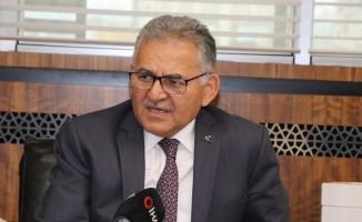 Başkan Büyükkılıç'tan Kayseri sorusunu bilemeyen yarışmacıya teşekkür