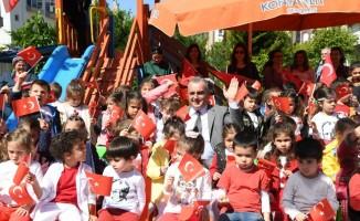 Başkan Esen, kreş öğrencilerinin 23 Nisan coşkusuna ortak oldu