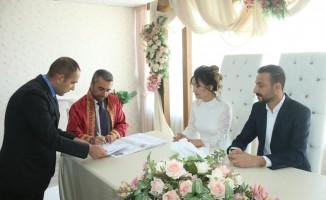 Başkan Say ilk nikahını kıydı