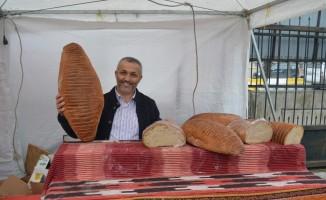 Bayatlamayan ekmek Ağrı'da ilgi odağı oldu