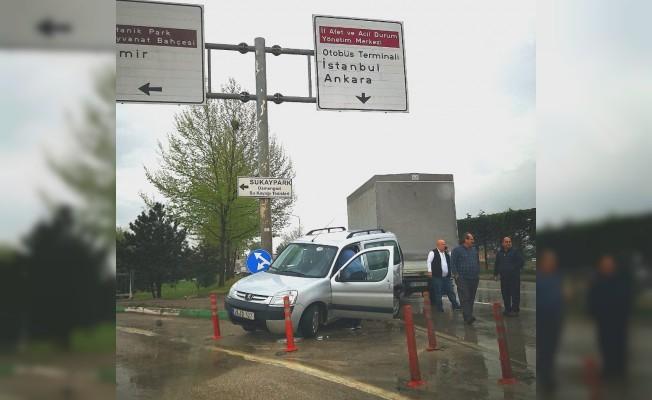 Bursa'da etkili yağış kazalara sebep oldu