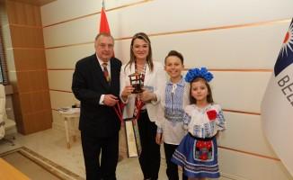 Dünya çocukları, Antalya Büyükşehir Belediyesi'ni ziyaret etti