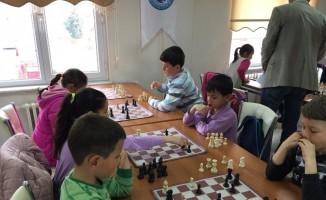 Emet'te Mangala ve Satranç Turnuvası