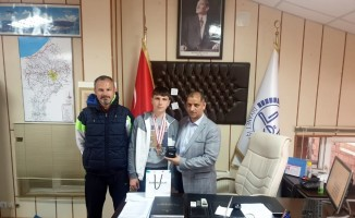 Gülle atmada Türkiye birincisi oldu
