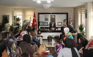 Kadınlardan Başkan Tanğlay'a ziyaret