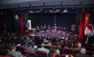 Kuşadası'nda 'Geleneksel Türk Müziği' konseri düzenlendi