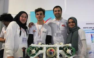 Liseliler insansız su aracı yaptı