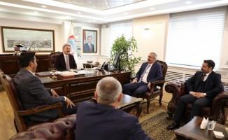 """Melikgazi Belediye Başkanı Dr. Mustafa Palancıoğlu, """"İki vakıf, bir sendika ziyaretlerinde sosyal sorumluluk projeleri değerlendirildi"""""""