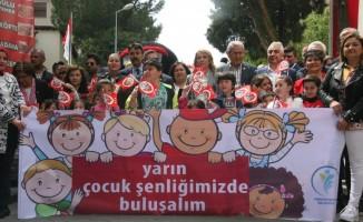 Merkezefendi'de 23 Nisan Çocuk Bayramı yürüyüşü