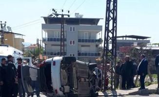 Nazilli'de Tır'ın çarptığı otomobil devrildi