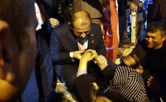 Orhaneli Belediye Başkan Adayı Ali Aykurt zaferini kutladı