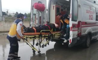 Otomobil ile akülü bisiklet çarpıştı: 1 yaralı