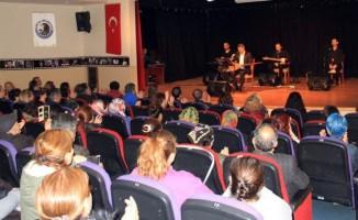 Özden Irmak'tan Türk Halk Müziği konseri