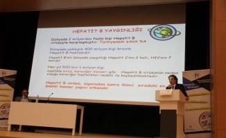 """Prof. Dr. Ateş: """"Her yıl 500 bin-1 milyon kişi Hepatit B'ye bağlı hastalıklar nedeniyle kaybediliyor"""""""