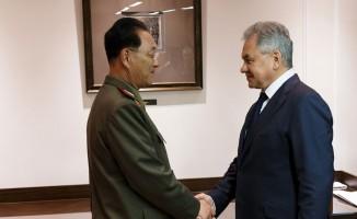 """Rusya Savunma Bakanı Şoygu'dan Kuzey Kore açıklaması: """"Üst düzey askeri ilişkiler ivme kazanacak"""""""