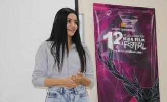 Sinema oyuncusu Şilan Makal, öğrencilerle buluştu