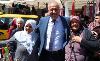 Söke Belediye Başkanı Levent Tuncel'den pazaryeri ziyareti