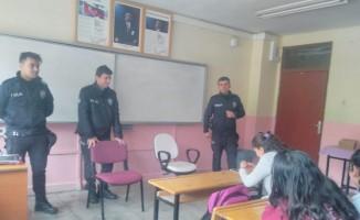 Tut'ta öğrencilere polislik mesleği tanıtıldı