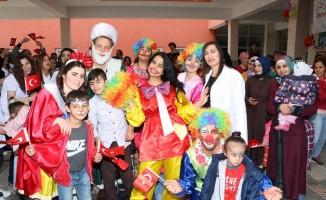 Üniversite Öğrencilerinden Çocuklara 23 Nisan Bayramı