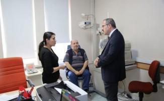Vali, hastaneleri ziyaret etti