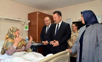 Vali Şentürk'ten hastane ziyareti