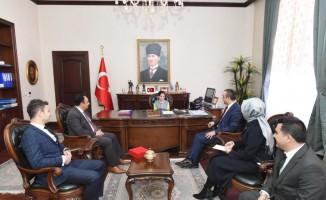 Vali Soytürk, koltuğunu devretti
