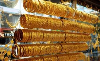 44 bin TL'lik altını bozdurup dolandırıcıya gönderdi