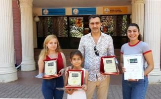 AÜ, Pera Piyano Yarşması'ndan ödüllerle döndü