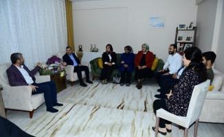 Başkan Çınar'dan şehit ailesine ziyaret