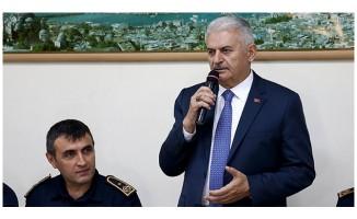 Binali Yıldırım Fatih'te vatandaşlarla buluştu