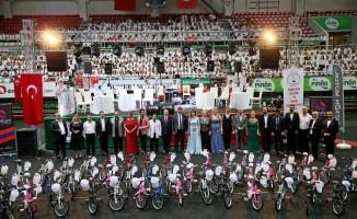 Dev koro bisikletsiz çocukları sevindirdi