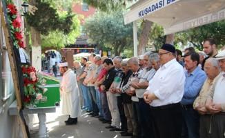İzmir'de oğlu tarafından boğulan kadın Kuşadası'nda toprağa verildi