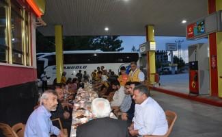 Otobüs yolcularına iftar sürprizi