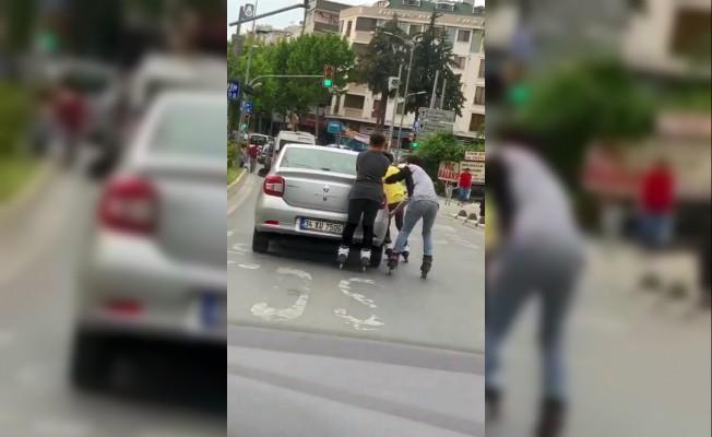 (Özel) İstanbul'da tıka basa yolcu dolu giden minibüs kamerada