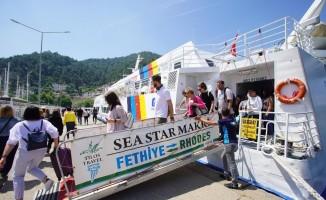 Rodos'tan Fethiye'ye turist gelmeye başladı