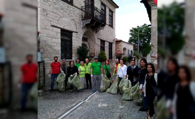 Söke'nin temizlik gönüllüleri çevre duyarlılığına dikkat çekiyor