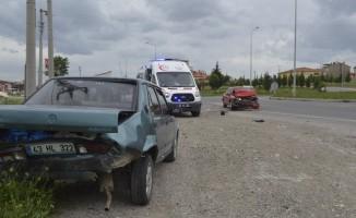 Tavşanlı'da trafik kazası, 2 yaralı