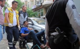 Temizlik yaparken merdivenden düşüp yaralandı