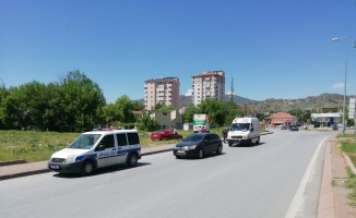 Virajı alamayan araç takla attı: 3 Yaralı