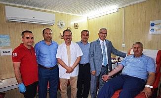 Başkanlardan Kızılay'a kan bağısı
