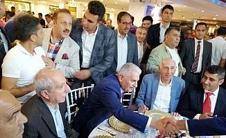 """Yıldırım: """"Rakibim CHP adayı hala kendini Belediye Başkanı zannediyor"""""""