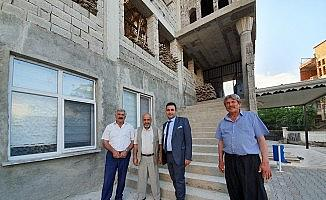 Cami ve taziye evi inşaatları sürüyor