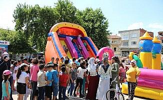 Germencik Belediyesi'nden çocuklara karne hediyesi